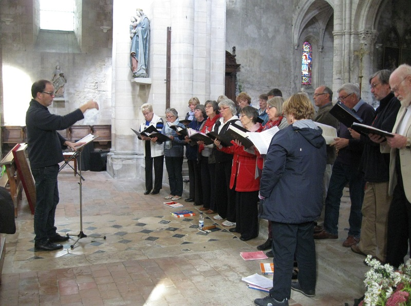 Singing in Saint-Hildevert